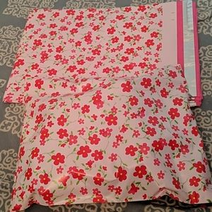 Other - ⭐3/$20⭐ 10x13 Poly Mailer Pink Flower Floral Print